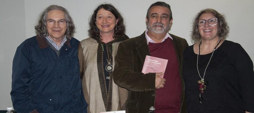 Os professores que comentaram o livro, da esquerda para a direita: Alberto Pereira, Jiani Bonin, Efendy Maldonado (autor) e Nísia do Rosário.